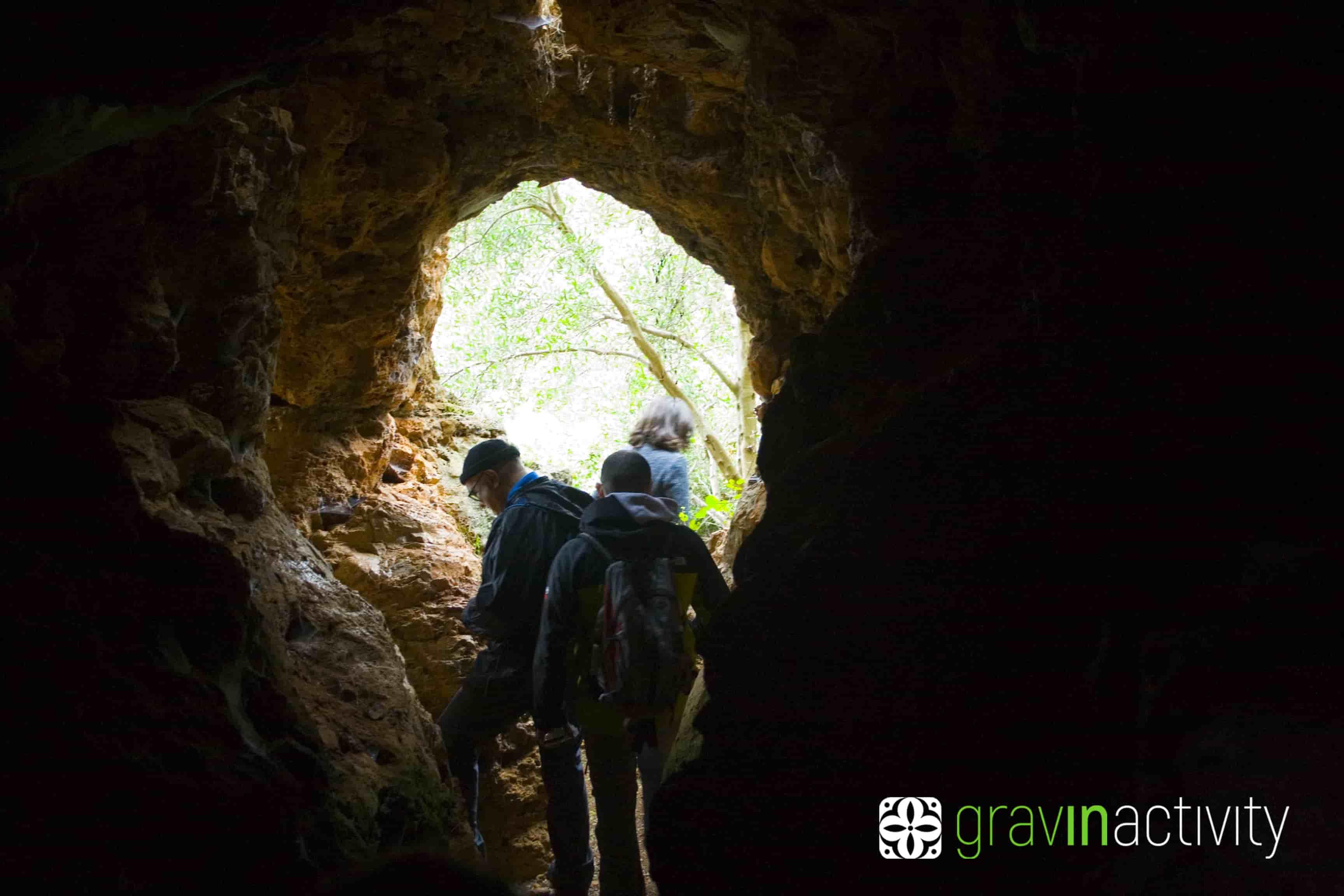 Gravina di Laterza, avventura in puglia, gravin, pingiovani, grotte, terra delle gravine